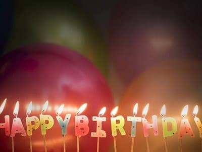 60 frases de aniversário para amiga para proporcionar a ela um dia feliz