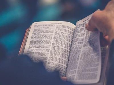 51 frases de Salmos para louvar a Deus e fortalecer a sua fé