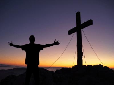 30 frases de confiança em Deus para entregar sua vida nas mãos Dele