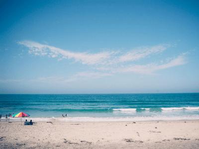 50 frases de praia para quem ama botar o pé na areia