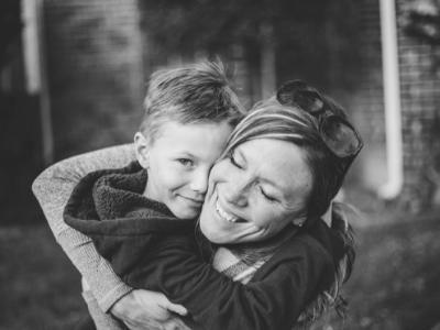 50 frases de aniversário para madrinha que irão aquecer o coração dela