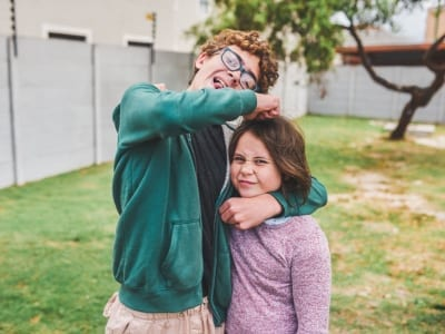 50 frases de carinho para irmã repletas de cumplicidade
