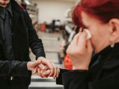 35 frases para quem perdeu um ente querido se sentir acolhido
